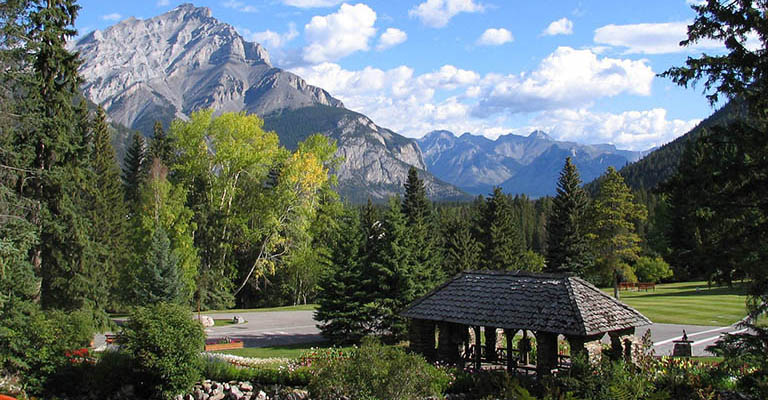 Wandering Tribe - Western Canada - Blog Feature Image - Banff