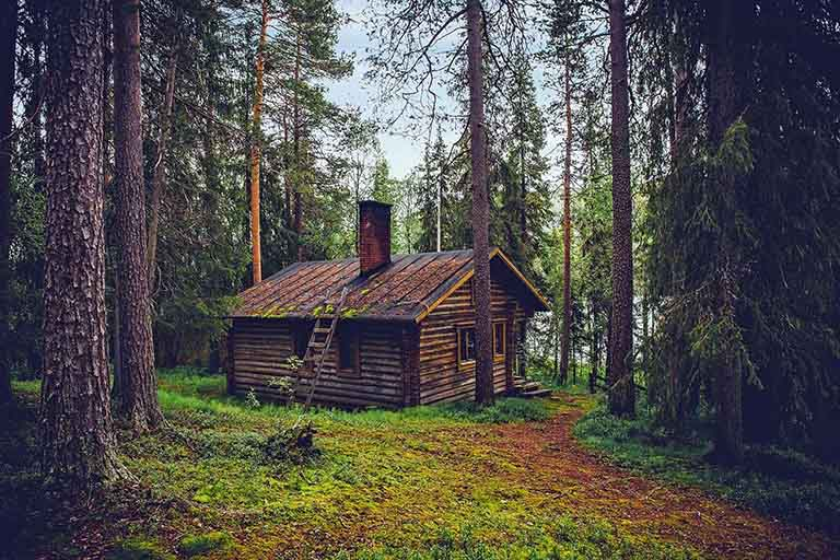 Finland Lapland - Summer Lakeside Cabin