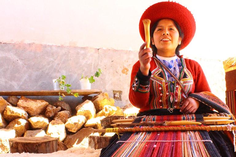 Peru - Peruvian Textile Weaver